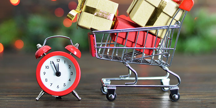 Why Last Minute Christmas Shopping Could Be A Good Thing